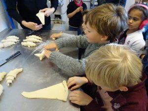 confection des croissants
